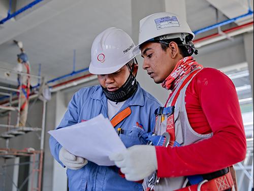 FinestGov-Construction-Site-Helmets-sm